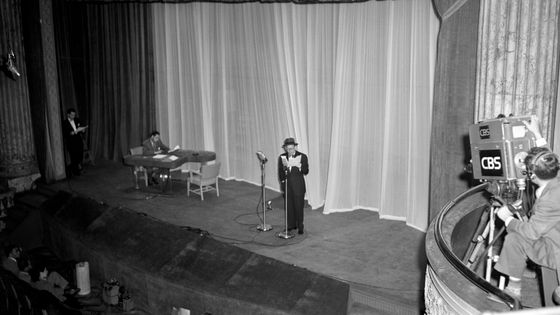 New-York, le 1er juin 1948, enregistrement CBS au studio 44 du Maxine Elliott Theater
