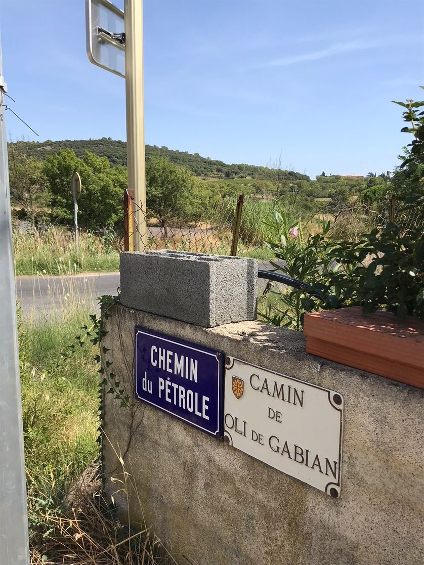 Chemin du pétrole à Gabian dans L'Hérault