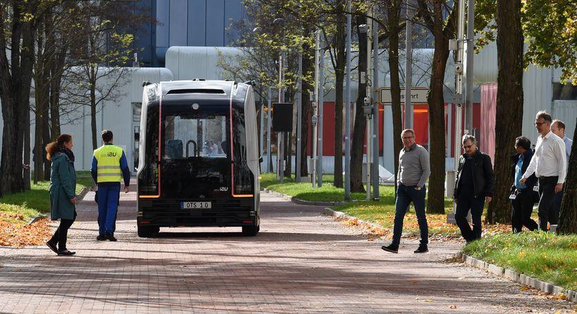 Bus électrique autonome, dans le campus de Siemens, à Munich en Allemagne.