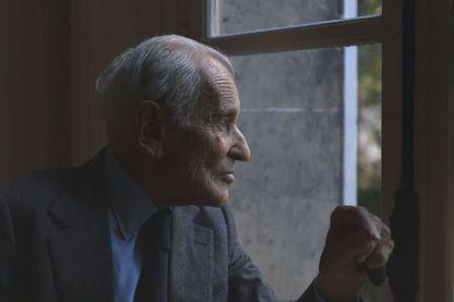 """Jean d'Ormesson, filmé dans le film """"Monsieur"""" que Laurent Delahousse lui a consacré."""