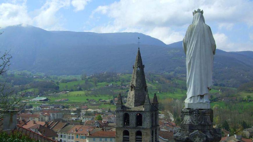 Vue sur le village de Saint-Jean-en-Royans, de la table d'orientation