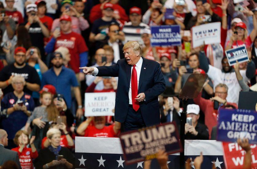 Dernières forces dans la bataille des midterms pour Donald Trump