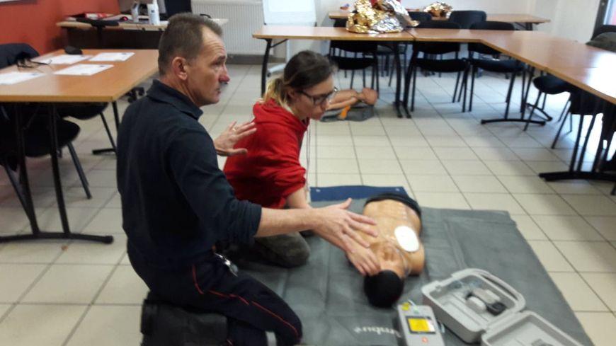 "L'adjudant-chef Xavier Chirat assure 2h de formation aux ""gestes qui sauvent"""