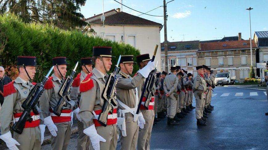 Le 40e régiment d'artillerie de Suippes participe aux cérémonies du 11 novembre.