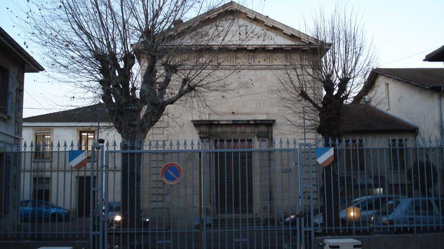La nounou a été mise en examen hier au tribunal de Bourgoin-Jallieu.