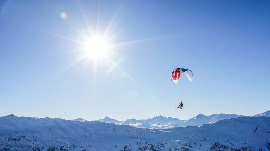 """Jason """"Au fil du vent"""" en parapente à ski"""