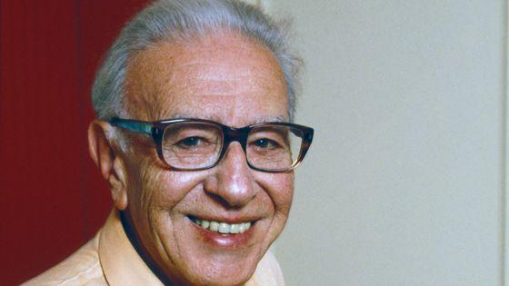 Portrait du compositeur français Paul Misraki en 1991