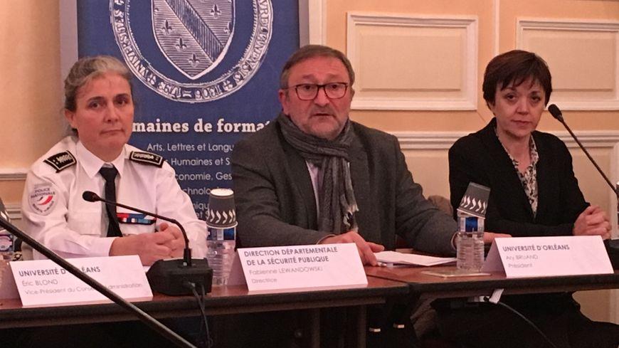 Ary Bruand, le président de l'université d'Orléans, Fabienne Lewandowski, la directrice départementale de la sécurité publique et Katia Béguin, la rectrice de l'académie