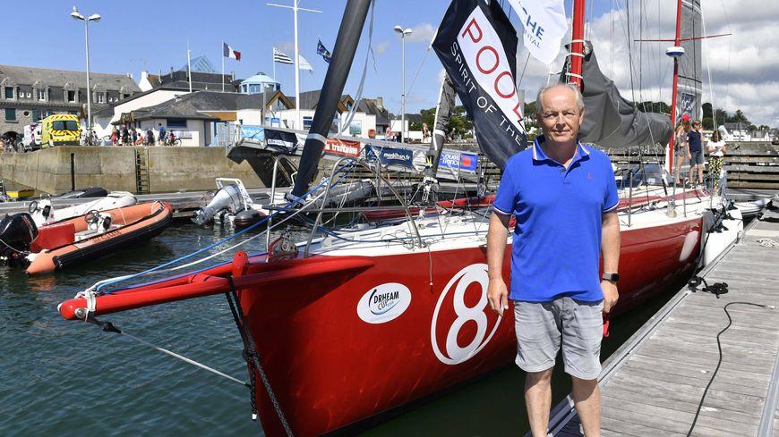 Jean-Marie Patier devant son bateau en juillet 2018