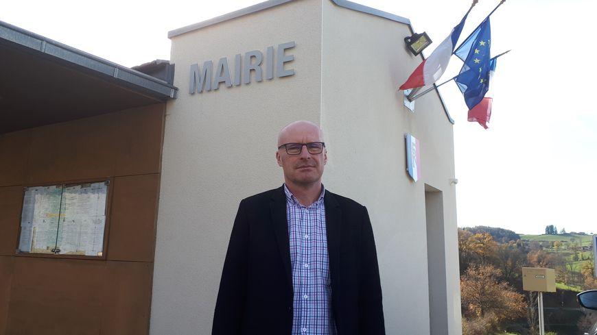 Le maire de La Gimond, Pascal Gonon, ravi de l'arrivée de la fibre.
