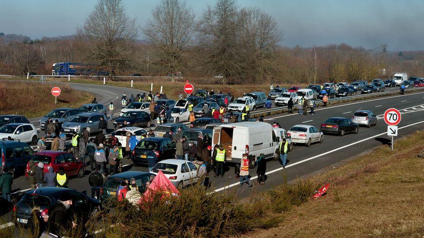 Carte Blocage 17 Novembre Bourgogne.Gilets Jaunes Les Blocages Prevus En Limousin Le 17 Novembre