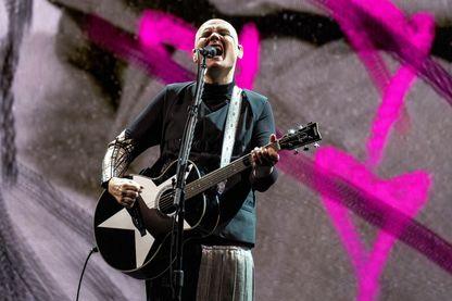 The Smashing Pumpkins avec le chanteur et guitariste Billy Corgan, en concert à la Wembley Arena Londres, le 16 octobre 2018.