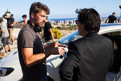 """Thomas Cailley, le réalisateur et Yvan Attal sur le tournage de la série """"Ad vitam"""""""