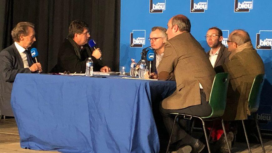 Un débat France Bleu Besançon - L'Est Républicain consacré à Alstom en public, dans la salle du CAL d'Ornans