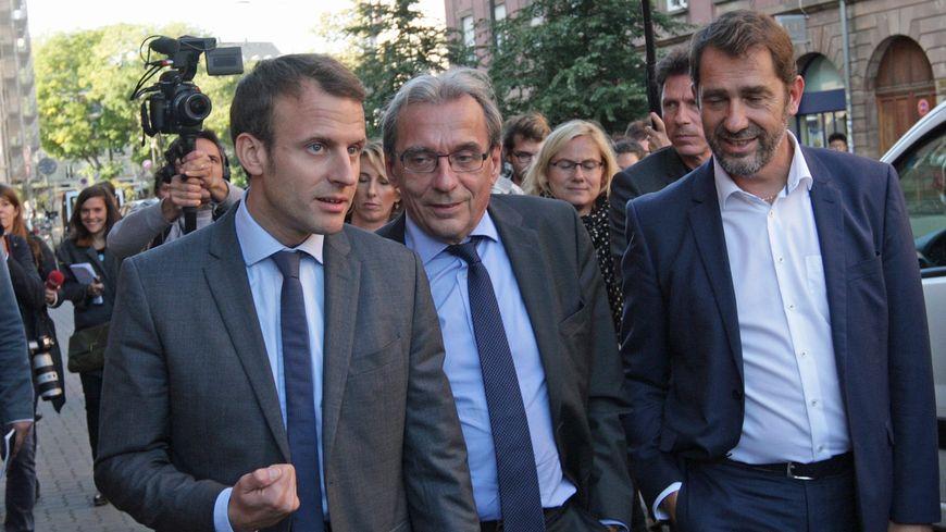 Emmanuel Macron à Strasbourg, avant son élection, aux côtés du maire Roland Ries, en octobre 2016.