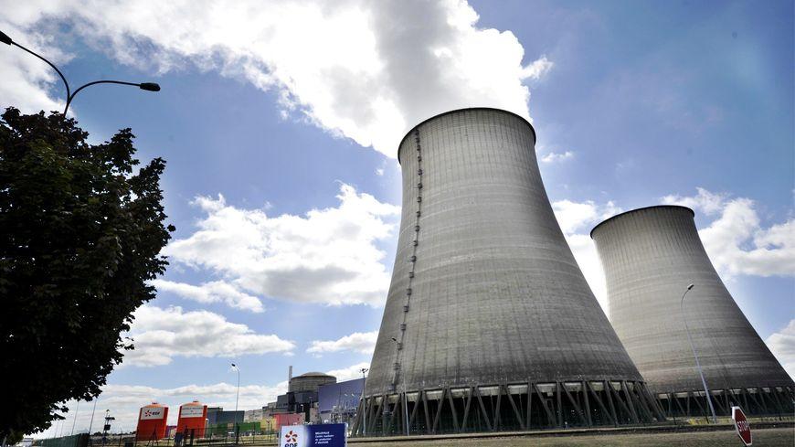 Les quatre réacteurs de la centrale nucléaire de Dampierre-en-Burly dans le Loiret, à une trentaine de kilomètres de l'Yonne, font partie des plus anciens de France.