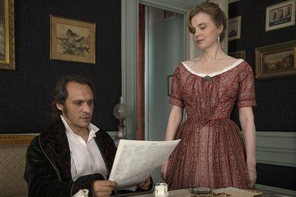 """Yannick Choirat et Isabelle Carré dans """"Victor Hugo, ennemi d'état"""""""