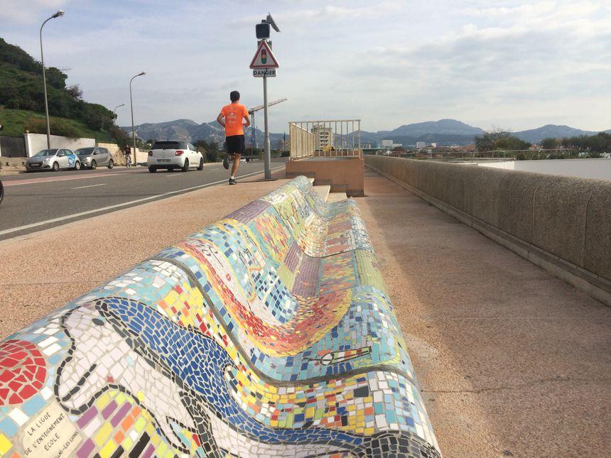 En 2016, l'artiste Paola Cervoni avait déjà relooké une vingtaine de bancs de la Corniche.