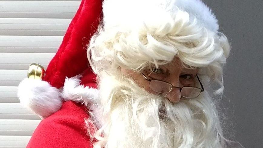 Cela fait 25 ans que Régis fait le Père Noël pour les enfants