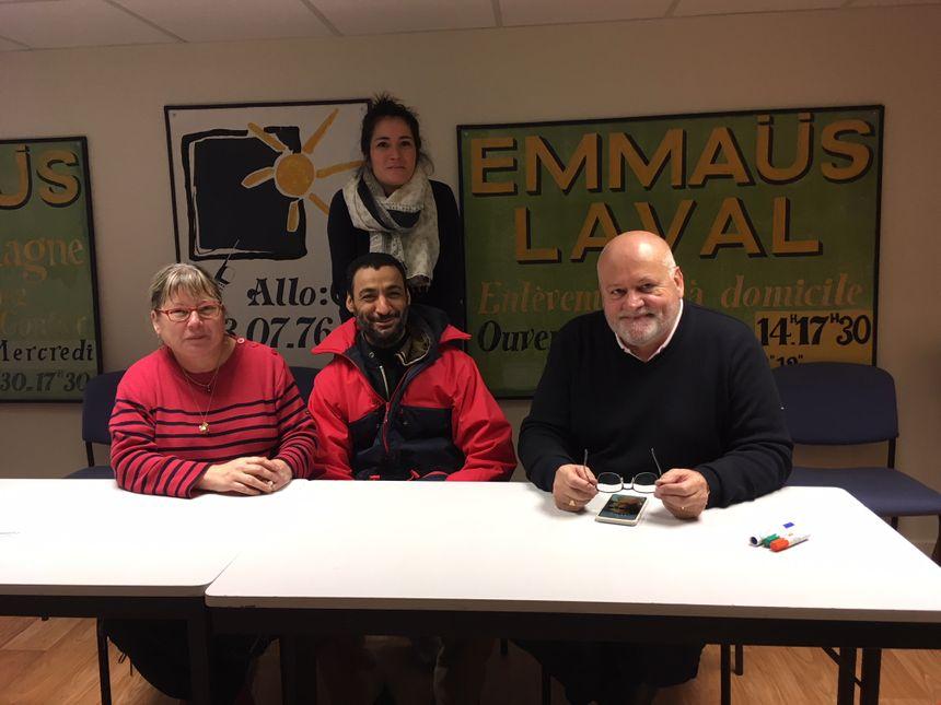 James Charbonnier (président) et Fanny Pirotais (coordinatrice) ont organisé cette grande vente Emmaüs 2018 avec les bénévoles comme Sylvianne (à gauche) et les compagnons dont Brahim. (au centre).
