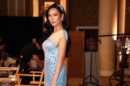Capture d'écran de la robe de Miss Thaïlande, critiquée par une youtubeuse, qui a provoqué un tollé