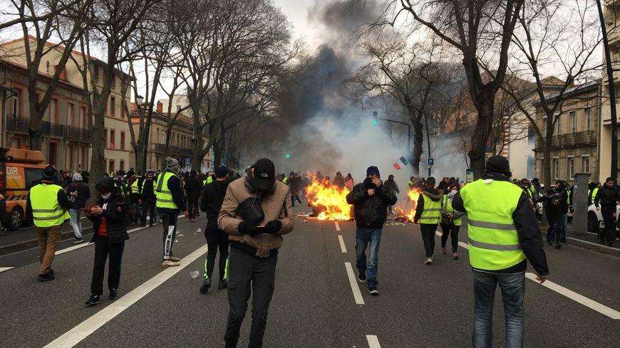 De nouveaux affrontements entre manifestants et forces de l'ordre à Toulouse ce samedi 29 décembre