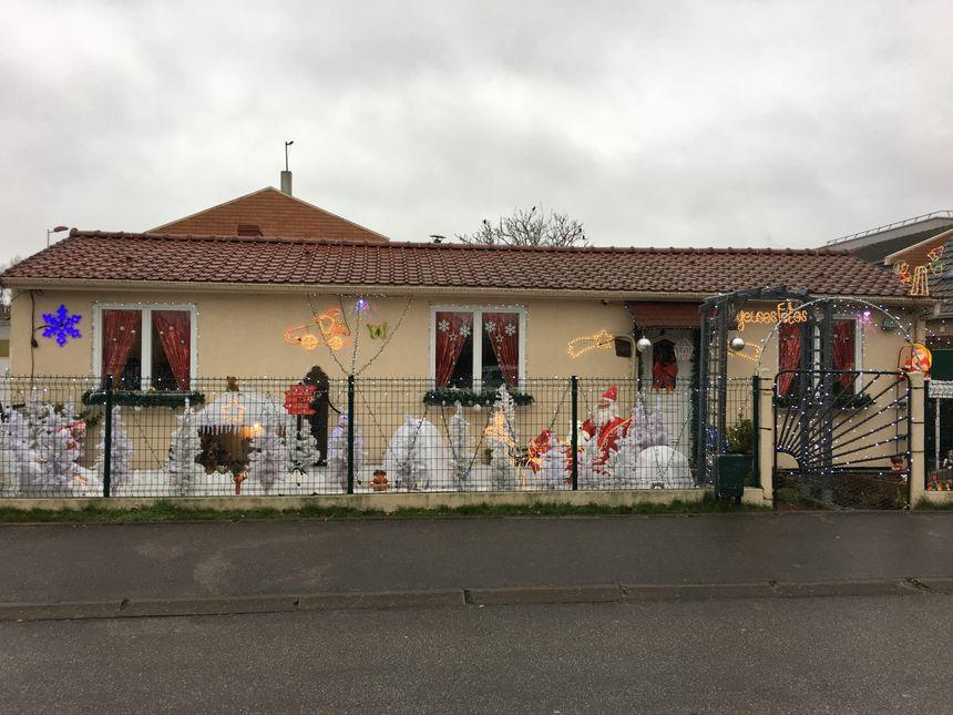 Le jardin enneigé de Raymonde et Fernand  est situé au 200 rue Carnot