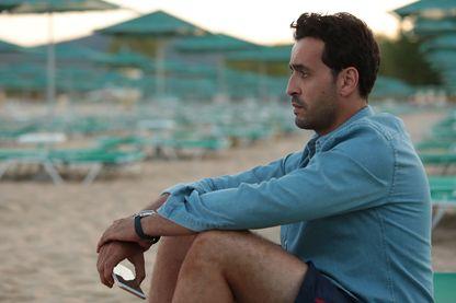 """Jonathan Cohen, sur le tournage du film """"Premières Vacances"""" de Patrick Cassir (sortie le 02 janvier 2019)"""