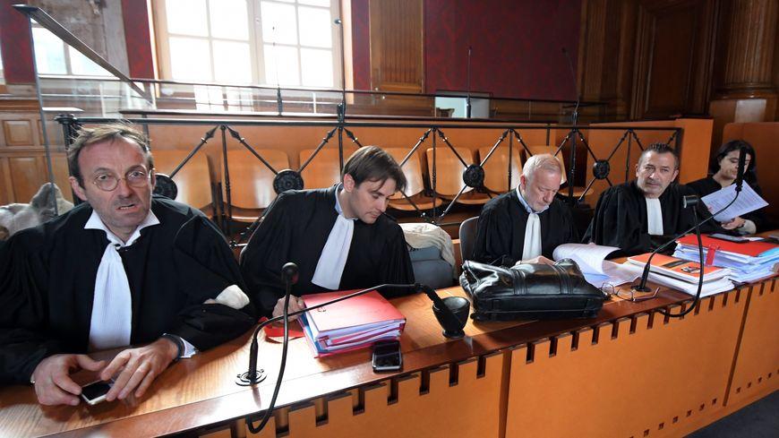Les avocats, au procès des meurtriers présumés d'Eva Bourseau