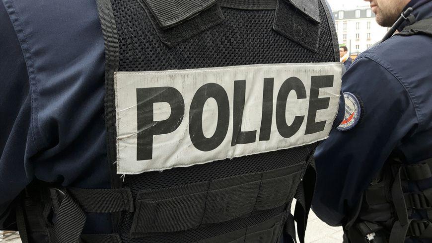Le jeune homme aurait été touché par un tir de la police