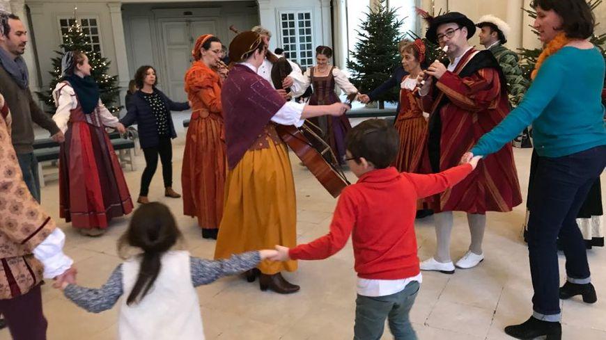 Noël à Chambord, l'occasion de découvrir comment on célébrait cette fête dans le temps.
