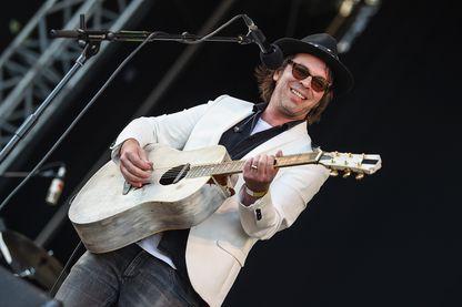 Gaz Coombes le leader, chanteur et guitariste du groupe de rock alternatif Supergrass, festival Victorious au Southsea Seafront le 25 août 2018 à Portsmouth en Angleterre.