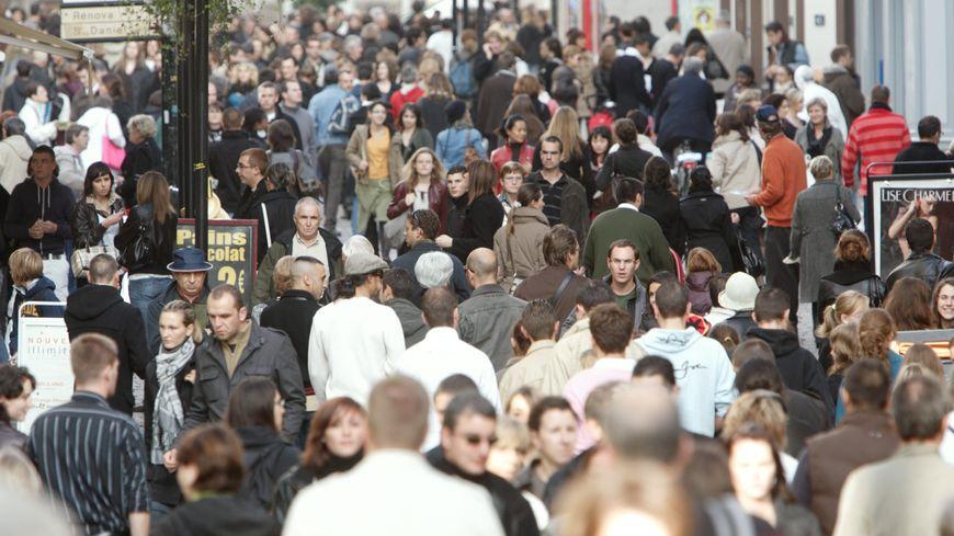 La dynamique démographique des Pays de la Loire ralentit.