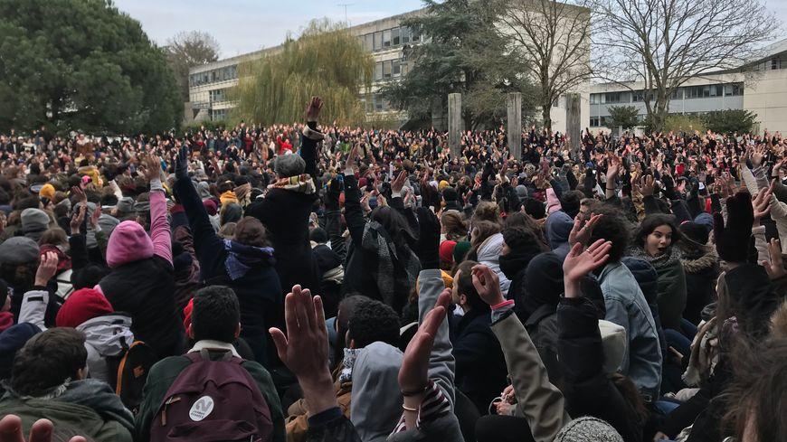 La levée du blocage de Rennes a été votée en AG