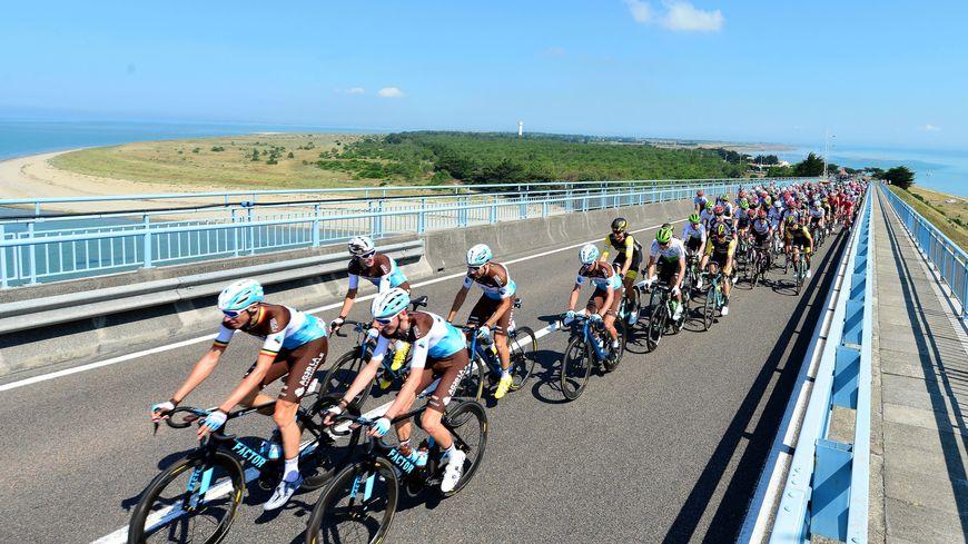 Les coureurs du Tour de France sur l'île de Noirmoutier.