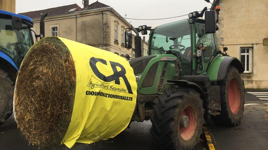 Les tracteurs de la coordination rurale à Bergerac