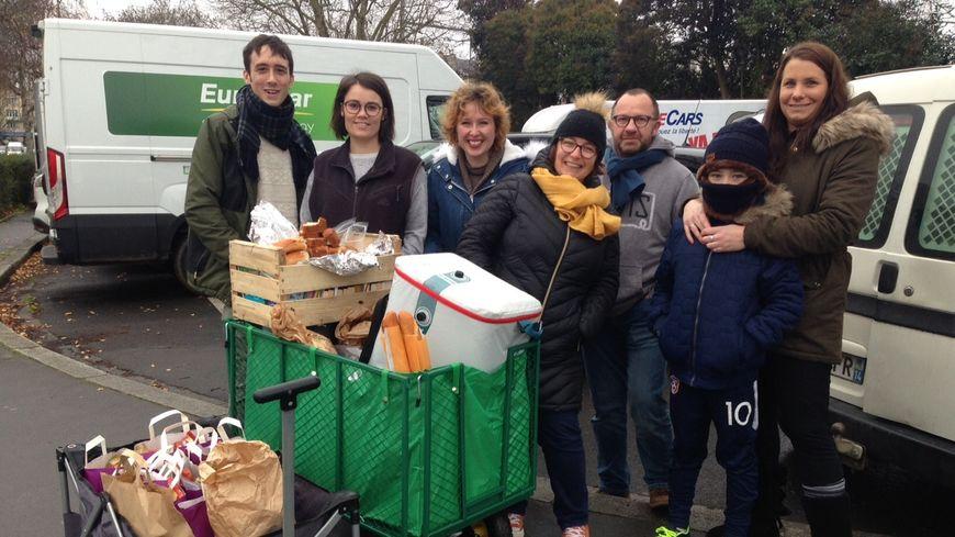 L'équipe des bénévoles à Caen lors de leur première maraude pour les sans-abris