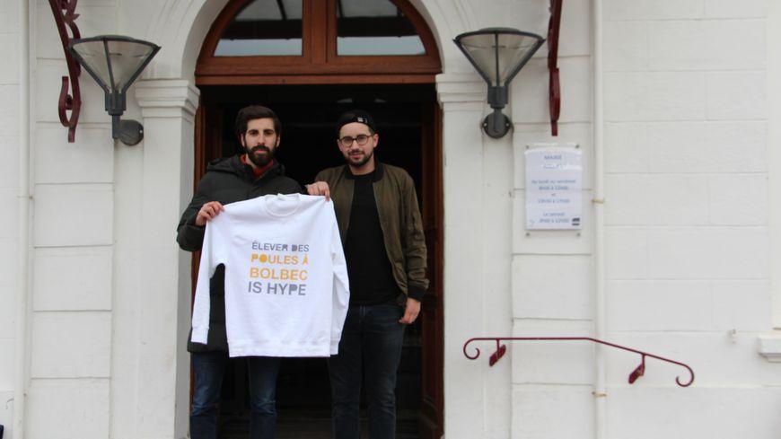 Joachim Leroux et Fabien Duclos ont créé leur marque en 2017. Ils ont vendu une cinquantaine de tee-shirts.