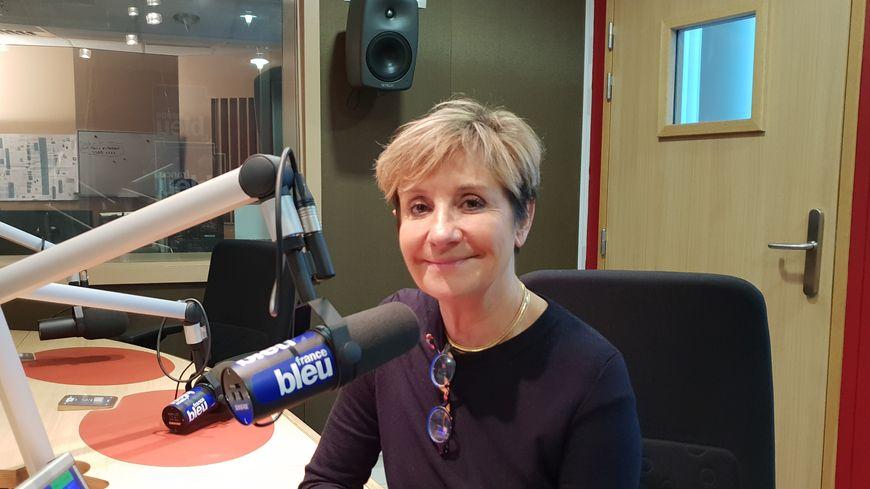 Pascale Got, présidente du SMIDDEST dans les studios de France Bleu Gironde