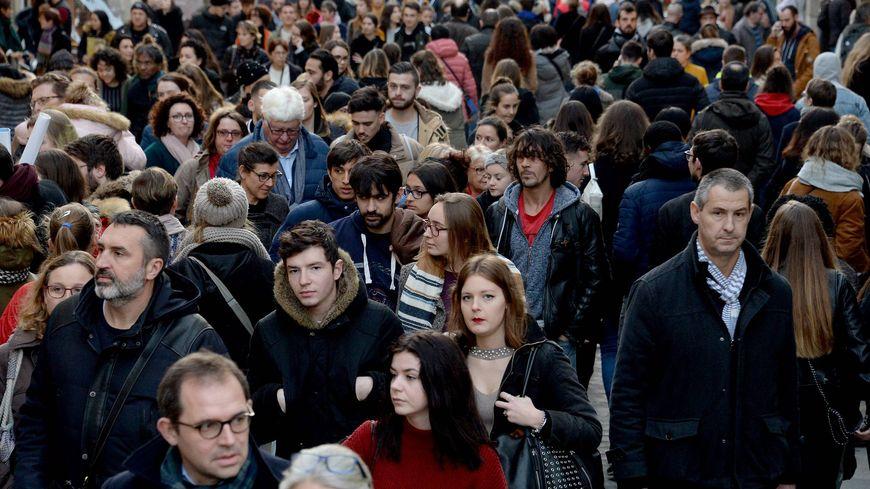 Au 1er janvier 2016, Provence-Alpes-Côte d'Azur compte 5 021 928 habitants