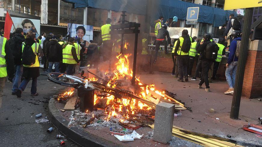 Toulouse   de nombreux débordements lors de la manifestation des ... d795dc5ef6b