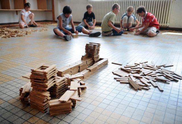 Ce jeu de construction permet aux enfants de développer leur créativité et leur imaginaire