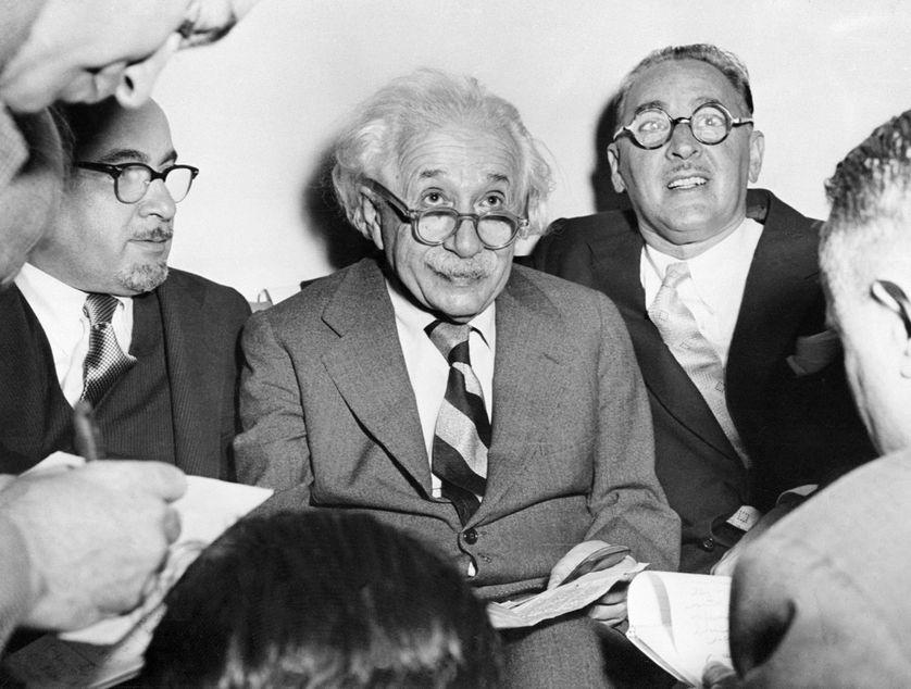 Albert Einstein célèbre ses 75 ans à l'université de Princeton, le 15 mars 1954