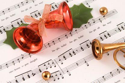 """Le livre """"Jingle Bells - L'Improbable Histoire des chansons de Noël"""" de Steven Jezo-Vannier a paru aux éditions Le Mot et Le Reste"""