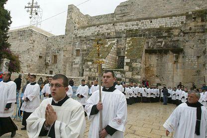Des pèlerins venus du monde entier se rassemblent à Bethléem pour Noël