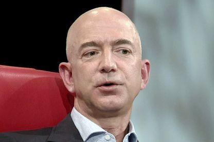 Jeff Bezos a créé Amazon dans son garage à Seattle en 1994. L'entreprise est devenue numéro 1 mondial de la vente en ligne et lui l'homme le plus riche du monde.