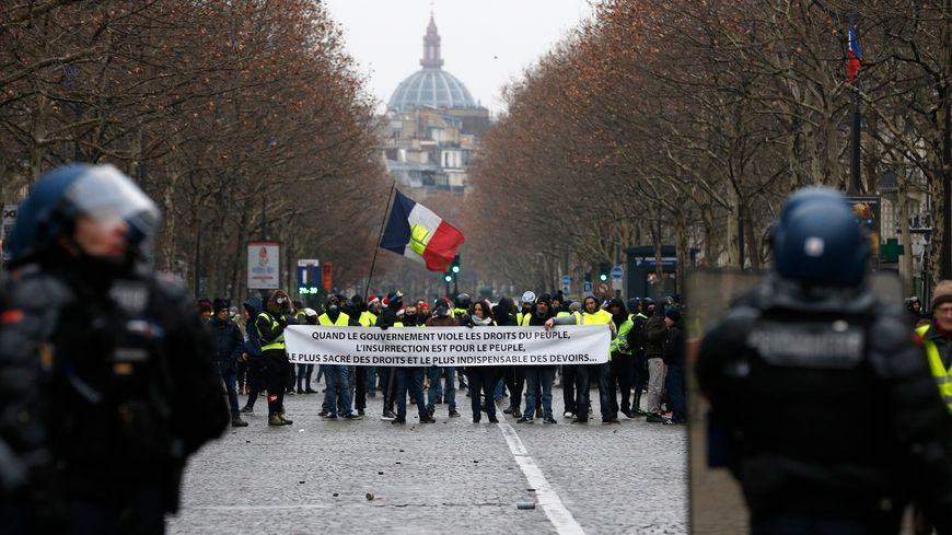La manifestation des gilets jaunes à Paris.