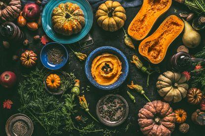 Repas vegan à base de courges, butternut, potimarron, citrouille, pâtisson...