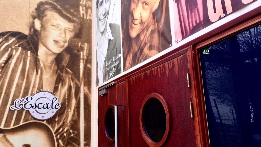 L'escale est le cabaret où Johnny a signé son premier contrat, le 16 avril 1960