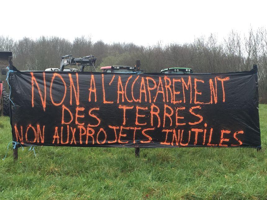 Les agriculteurs demandent l'abandon du projet Avalonys.